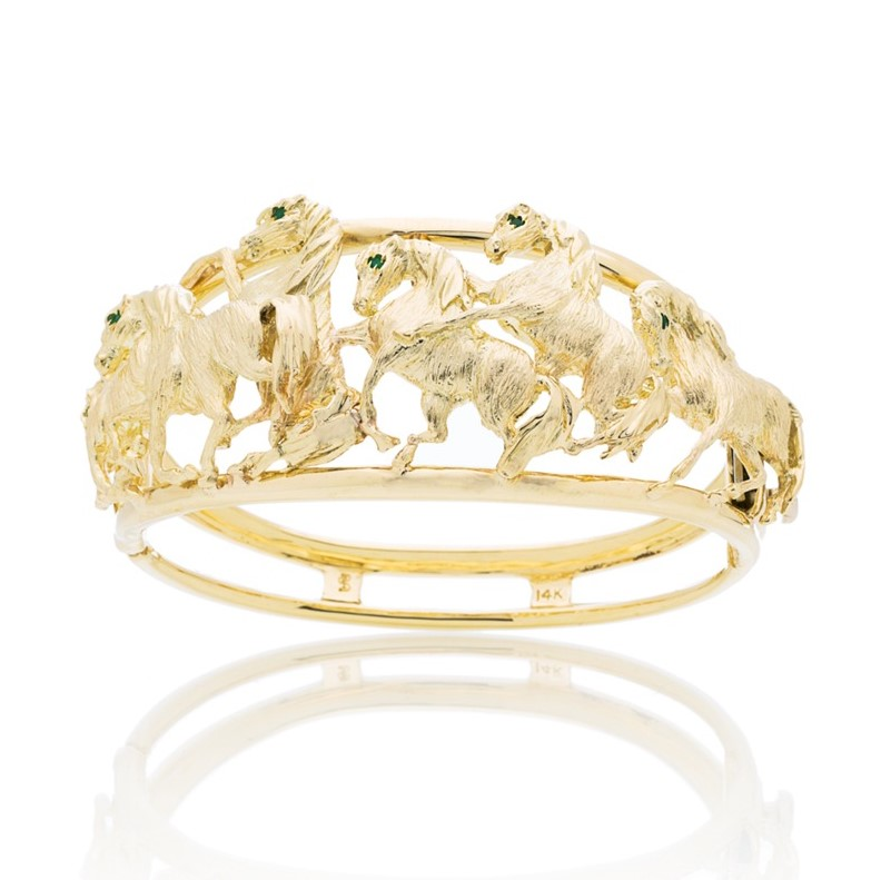 Unique Jewelry Gold Bracelet Design in Miami Florida